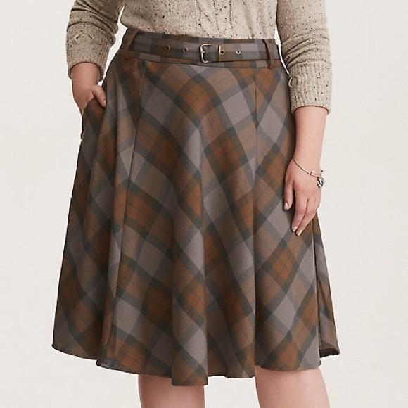 cc89ee289851f NWT❗ Torrid Outlander Tartan Skirt- Size 18 💕